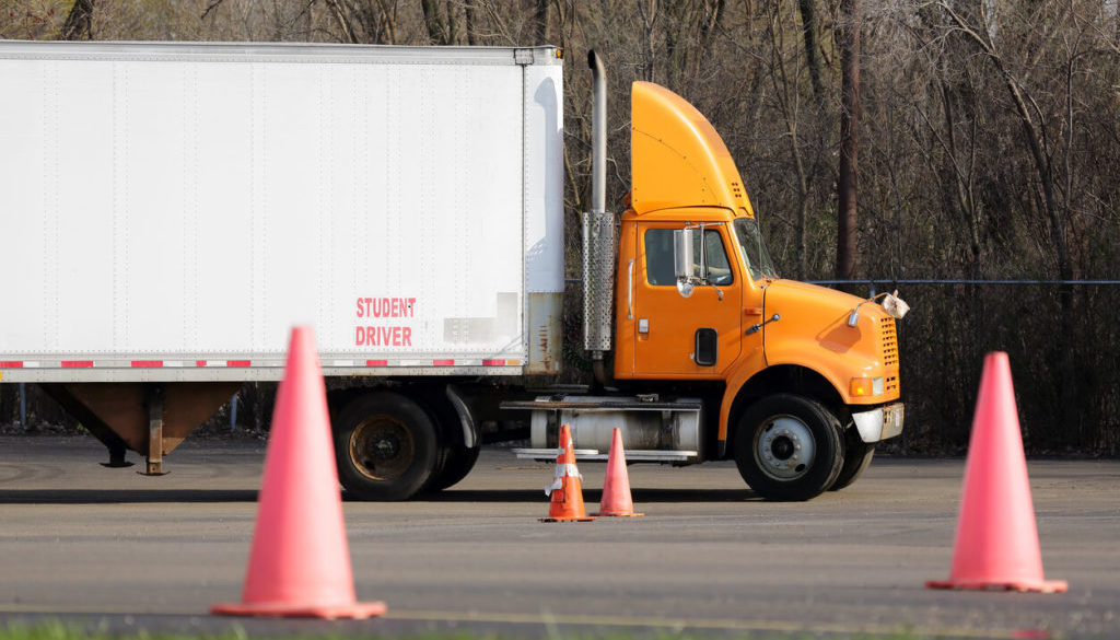 FMCSA Delays Entry-Level Driver Training Rule
