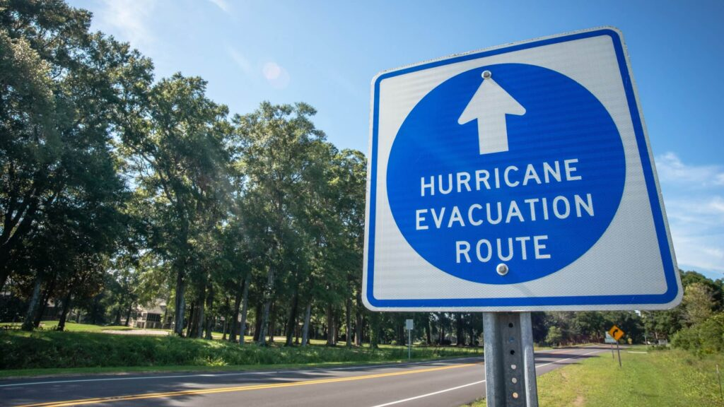 Hurricane_Laura_and_how_it_Impacts_Truckers