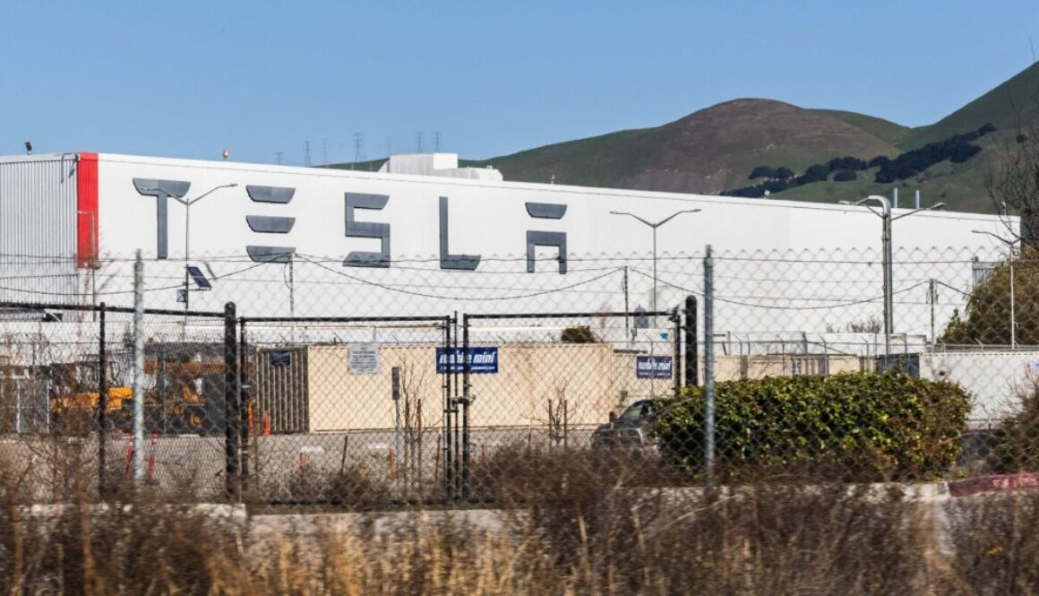 Tesla_Announces_Semi_Battery_Upgrade