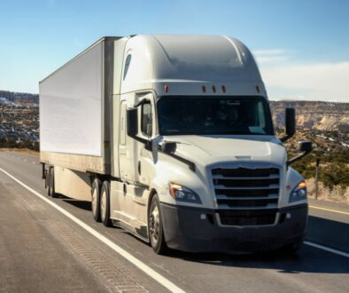 PACCAR_Parts_Releases_Universal_Electric_Charging_Station